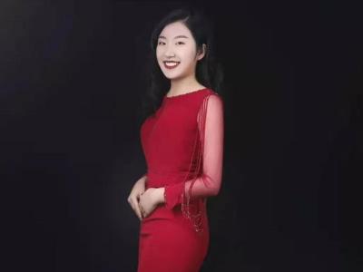女主持靳岩-简结·培训